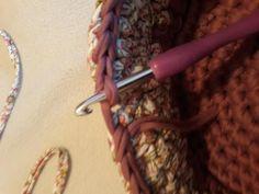 Fotonávod na háčkovaný košík z příze Biskvit s kulatým dnem Diy And Crafts, Knits, Dots