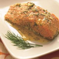 Garlic-Dill Salmon 3 garlic cloves, finely chopped cup fresh orange juice 2 teaspoons fresh lemon juice 1 tablespoon chopped fresh dill 4 salmon fillets (about 1 pounds total) Salmon Recipes, Fish Recipes, Seafood Recipes, Great Recipes, Cooking Recipes, Favorite Recipes, Healthy Recipes, Simple Recipes, Recipies