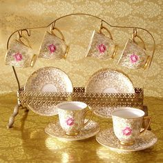 Love this...tea time. I wonder if I could make something like this. Hmmm!                                                                                                                                                                                 Mais