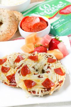 See how delicious GO VEGGIE cheese alternatives can be with our Pepperoni Pizza Bagels. Find cheesy bliss with GO VEGGIE. The Healthier Way to Love Cheese™ Go Veggie Cheese, Cheese Snacks, Lactose Free Cheese, Lactose Free Recipes, Quick Dinner For Kids, Cheese Alternatives, Loaded Sweet Potato, Veggie Recipes, Veggie Meals
