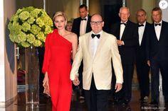 Le prince Albert II de Monaco et la princesse Charlène de Monaco - 67e Gala de la Croix-Rouge Monégasque (Bal de la Croix-Rouge) à Monaco, le 25 juillet 2015
