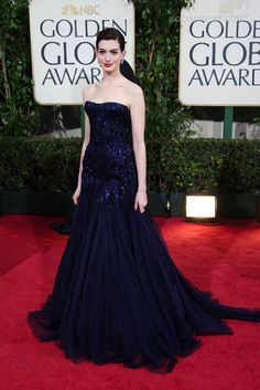 Anne Hathaway in Armani Prive at the 2009 Golden Globes