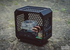 Custom Computer Case, Small Computer, Computer Setup, Computer Projects, 3d Printer Projects, Diy Electronics, Electronics Projects, Raspberry Computer, Cool Raspberry Pi Projects