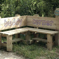 TTS: Outdoor Tables And Seating TTS: Tische und Sitzgelegenheiten im Freien Source by . Preschool Playground, Outdoor Playground, Playground Ideas, Outdoor Classroom, Outdoor School, Outdoor Seating, Outdoor Tables, Buddy Bench, Outdoor Learning Spaces