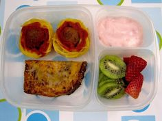 BentoLunch.net - What's for lunch at our house: The Spaghetti & Meatball Cupcake Bento! Now with garlic toast