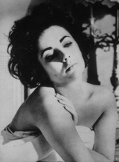 Elizabeth Taylor as call girl, escort, lost soul in Butterfield 8
