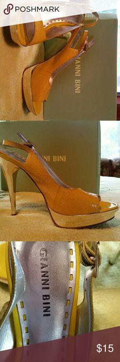 Shoes Yellow high heel  like new Gianni Bini Shoes Heels