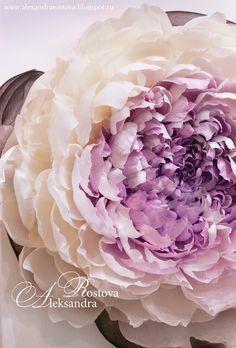 Wonderland - Волшебный мир Творчества...: Гигантский цветок из гофрированной бумаги на холсте. (Giant Paper Flower)