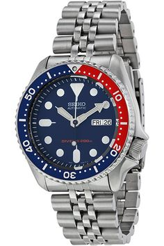 Seiko SKX009 is the twin brother of the Seiko SKX007. It has the same case and movement as the SKX007 but with the addition of dark blue dial watch face and the eye popping blue/red pepsi bezel.