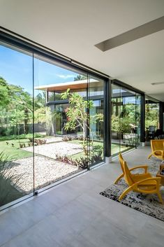 Image 8 of 29 from gallery of ME House / Otta Albernaz Arquitetura. Photograph by Eduardo Simabuguro Albernaz Design Exterior, Door Design, Home Interior Design, Interior And Exterior, Modern Interior, Future House, My House, House Extensions, Bungalows
