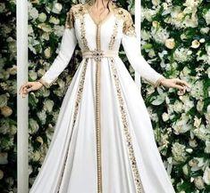Morrocan Dress, Moroccan Bride, Kaftan Moroccan, Lace Dress Styles, Nice Dresses, Indian Dresses Traditional, Arabic Dress, Fantasy Gowns, Caftan Dress