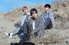 [BY JBJ] 4월 17일 오후 6시 JBJ Deluxe Edition [NEW MOON] 이 발매 됩니다. 이번 앨범의 타이틀곡인 '...