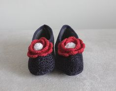 SALE New Product - Women Slippers, Velvet slippers, Size 6 1/2 , Flower embroidered, crochet floral, Navy slippers with red flower, $12