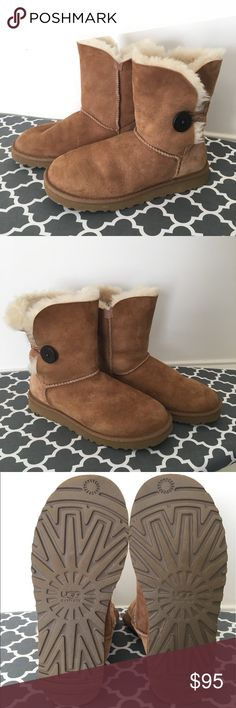 UGG Bailey Button Tan Winter Boots Women's size 8 LIKE NEW!!!   UGG Bailey Button Winter Boots, Women's Size 8  These boots are made of soft, tan leather and warm sheepskin, with a charming button closure. Perfect for warming up on a cold winter day. Sturdy enough for outdoor wear, but cozy enough to wear as slippers.   UGG boots pair perfectly with leggings or skinny jeans. Throw on a bulky sweater or a billowy blouse and you're ready.  Excellent, like new condition! These have only been…