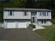 Foreclosed Home For Sale in New Haven, Connecticut  3 Beds, 2 Baths ... Listing ID: 35530016  http://www.realestateforeclosures.net/US/Foreclosures/Connecticut_Foreclosed_Homes.htm