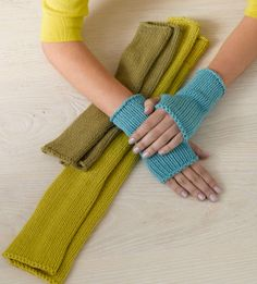 Knitting Pattern Gauntlet Gloves : Image of Snow Bank Gauntlets Mittens and gloves patterns ...