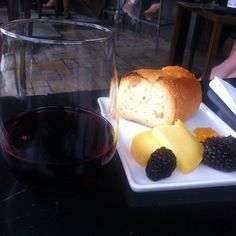 Here's our #lovely #monday #lunchtime #pairing of the day : #blackberries goat #cheese and Ascheri #Barolo 2008 available only at vino-direct.com !!! Must be 21 to #purchase #vinodirect #socal #instamood #instawine #winelovers #wine #instaphoto #instafood