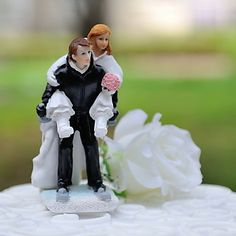 """Skiing+Together""++Resin+Figurine+Wedding+Cake+Topper+–+USD+$+19.99"