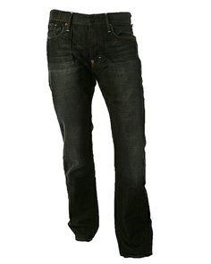 Donkerblauwe jeans kunnen lelijk afgeven op je leren bankstel, leren tas of schoenen.Veeg de vlek er makkelijk af met een (olie) babydoekje! #tip #huishouding. Wil je meer tips? Check: www.hulpstudent.nl Housekeeping, Cleaning Hacks, Tops