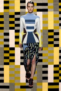 20140219-oqvloves-lfw-gifs-London Fashion week Inv2014
