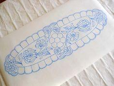 Riselhető kalocsai futó Hungarian Embroidery, Rose Embroidery, Vintage Embroidery, Embroidery Patterns, Knitting Patterns, Motif Corset, Basic Drawing, Embroidery Transfers, Needlepoint