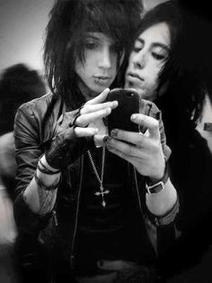 Andy Biersack (Black Veil Brides) & Ronnie Radke (Falling In Reverse)... This.. This is what perfect is made of :3