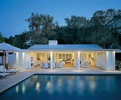 Architectural Digest View of pool and pool house that serves as a guest house/office. House it to the right? Small Pool Houses, Small Pools, Pool House Designs, Pool House Plans, Maine House, Architectural Digest, Future House, Modern Farmhouse, Bungalow