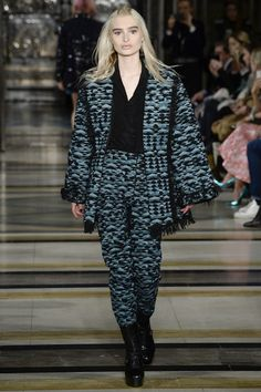 Catwalk photos and all the looks from Felder Felder Autumn/Winter 2016-17 Ready-To-Wear London Fashion Week