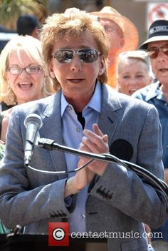 Barry Manilow at KC and the Sunshine Band's Palm Spring Walk of Stars unveiling. Description from pinterest.com. I searched for this on bing.com/images