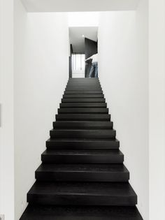 Stairs by Bob Manders. Black Stairs, Stair Handrail, Black And White Interior, Entry Hallway, Two Story Homes, Interior Stairs, Staircase Design, Home And Deco, Stairways