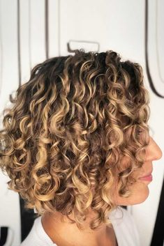 It is, in the first place, among the hair styles that all ladies love very much. Models that can create very different designs with hair colors like sweep and shadow are very cool. Canapés of long bob… Continue Reading → Bob Haircut Curly, Curly Hair Cuts, Curly Bob Hairstyles, Curly Hair Styles, Bob Haircuts, Natural Hair Journey, Curly Girls, Bobs For Thin Hair, Glamorous Hair