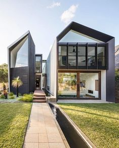 34 stunning rustic stone house with a modern touch 3 Evolution Architecture, Modern Architecture, Australian Architecture, Building Architecture, Sustainable Architecture, Building Design, Chinese Architecture, Ancient Architecture, Mountain Home Exterior