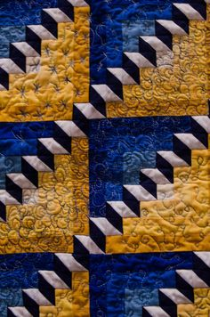 """Staircase"" quilt blocks, tumbling blocks variation, quilt show photo by Julie Marie Pics"