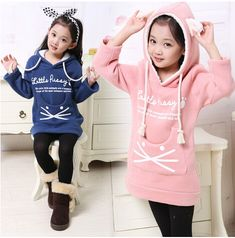 One Piece Years Baby Girls Sweatshirt Thick Fleece Children Hoodies 2015 Spring&Fall Cat Childr Kids Outfits Girls, Cute Outfits For Kids, Toddler Outfits, Stylish Little Girls, Stylish Kids, Outfits Niños, Baby Dress Design, Kids Suits, Baby Clothes Patterns