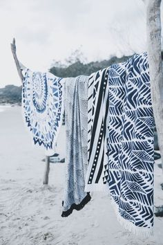 The Original Roundie Towel | The Beach People