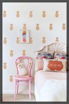 Papier peint ananas chambre d'enfant http://clemaroundthecorner.com/2015/03/02/carnet-dinspiration-ananas/