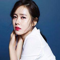 Son Ye-jin (손예진) - Picture Hi Gorgeous, Beautiful Girl Image, Most Beautiful Women, Korean Actresses, Korean Actors, Jin Photo, Jun Ji Hyun, Song Hye Kyo, Hyun Bin