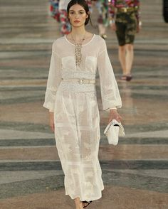 CHANEL #ConGuantesySombrero   #fashion #look #designers #runaway #instagood #collections #style
