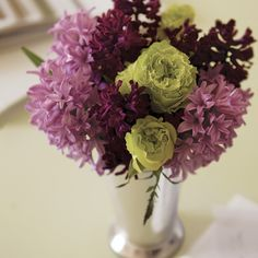 Aubergine and Lime Green, beautiful color combination! - Get inspired! Try it in your dining room!
