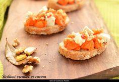 Bruschette con zucca, gorgonzola, noci e miele