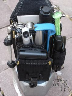Here I will post revisions of my EDC as influenced by being a member of this great forum ,) Let's start with this Cellphone/Tool belt holder from. Bushcraft, Survival Prepping, Survival Gear, Survival Gadgets, Urban Survival, Emergency Preparedness, Bug Out Gear, Edc Gadgets, Everyday Carry Gear