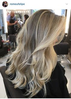 **lowlight and highlight, balayage Blonde Hair With Highlights, Balayage Hair Blonde, Honey Balayage, Brown Balayage, Blonde Hair Looks, Brown Blonde Hair, Different Blond, Cabelo Ombre Hair, Beige Blond