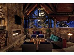Mid-mountain at the Beaver Creek ski resort, The Ritz-Carlton, Bachelor Gulch offers an array of dining options and a luxury hotel spa. Best Resorts, Hotels And Resorts, Luxury Hotels, Ski Resorts, Resort Interior, Best Skis, Beaver Creek, Top Interior Designers, Mountain Resort