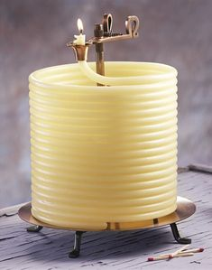 Coiled Wax Candle - Cool Stuff to Buy Online - The Internet's Mall of Unique Gifts and Gadgets Long Candles, Best Candles, Inventions Sympas, Cool Inventions, Candle Wax, Beeswax Candles, Candle Craft, Burning Candle, Candle Making