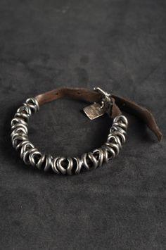 Goti – Bracelet, 008 | -PNP, fashion stores in Florence (DIY--thread beads, rings on old belt.)