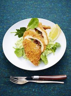 Jamie Oliver Chicken Kiev - Quality chicken stuffed with garlicky butter and crispy crumbled bacon, then coated with golden breadcrumbs – you know it's going to be good Jamie Oliver Comfort Food, Jamie Oliver Chicken, Jaime Oliver, Chicken Kiev Recipe, Chicken Recipes, Nigella, Gallus Gallus Domesticus, Food And Drink, Cooking Recipes