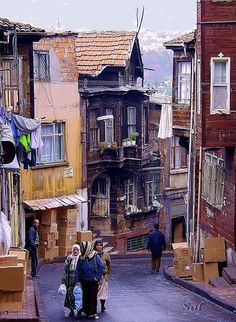 Istanbul alleys ... can't wait to explore!
