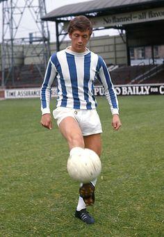 Huddersfield Town Fc, Retro Football, Vintage Jerseys, Leeds United, Old And New, Old Photos, Kicks, Soccer, Cherry