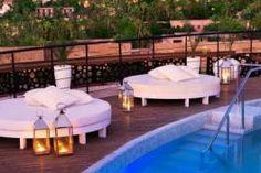 L'hôtel Delano de Marrakech est situé en plein coeur de l'Hivernage. Classé en 5 étoiles, il offre 73 suites de luxe au décor oriental, avec balcon privé et salon.