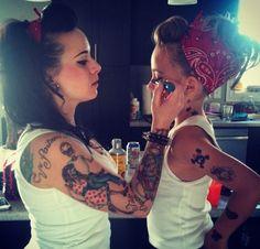 Mãe e filha de pin up